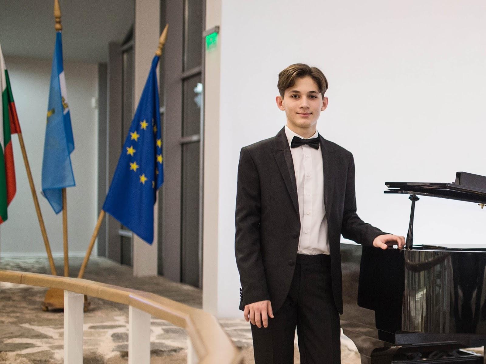 Награда за Борис Биков на конкурса Best Mendelssohn Performance